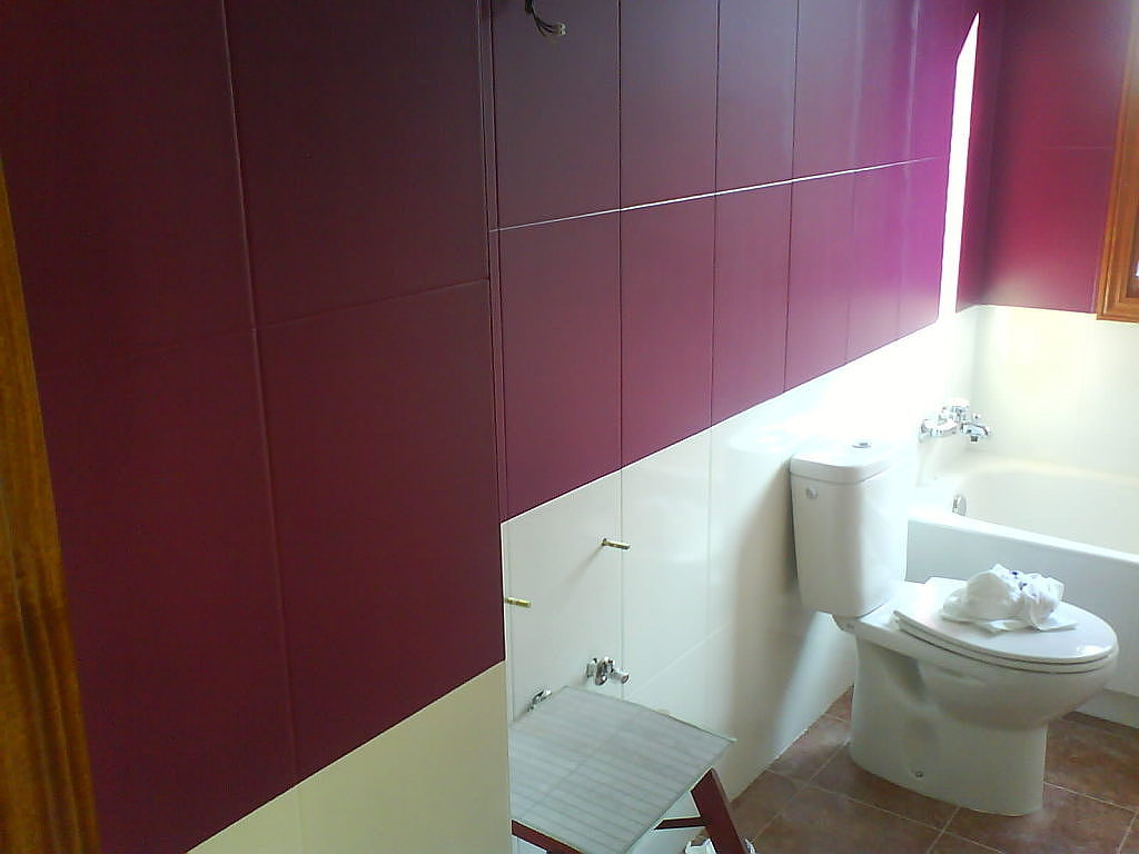 Pintar Azulejo Tinta Epóxi Posso Fazer Textura Sobre Azulejo Tinta  #451D21 1024x768 Banheiro Com Azulejo Pintado